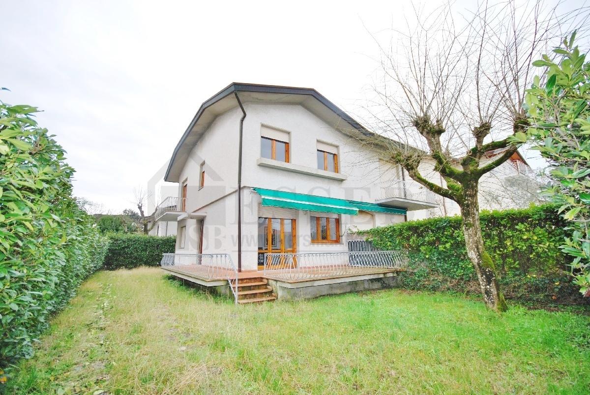 Soluzione Indipendente in vendita a Pietrasanta, 6 locali, prezzo € 435.000 | Cambio Casa.it