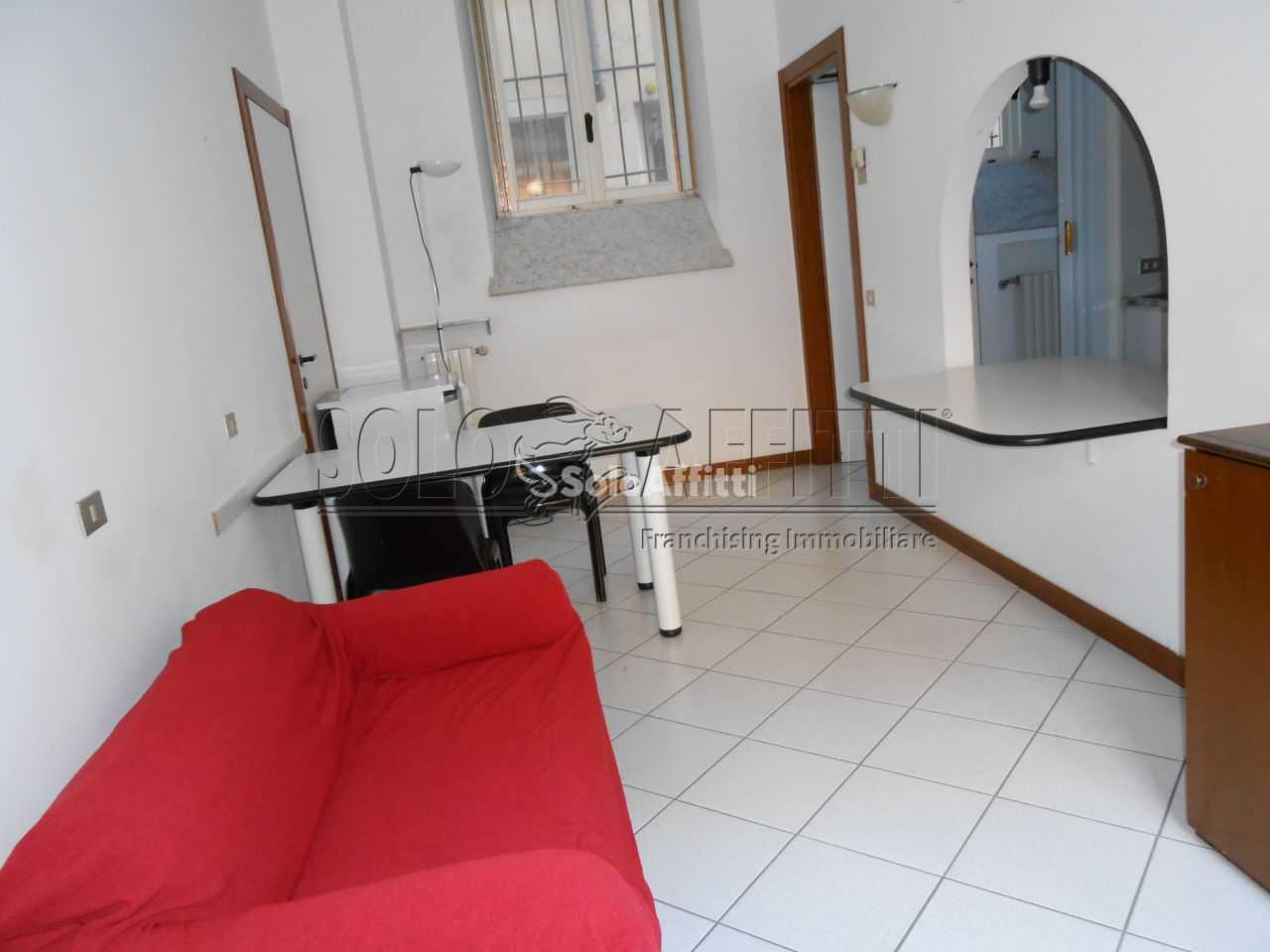 Appartamento, centro, Affitto/Cessione - Pavia