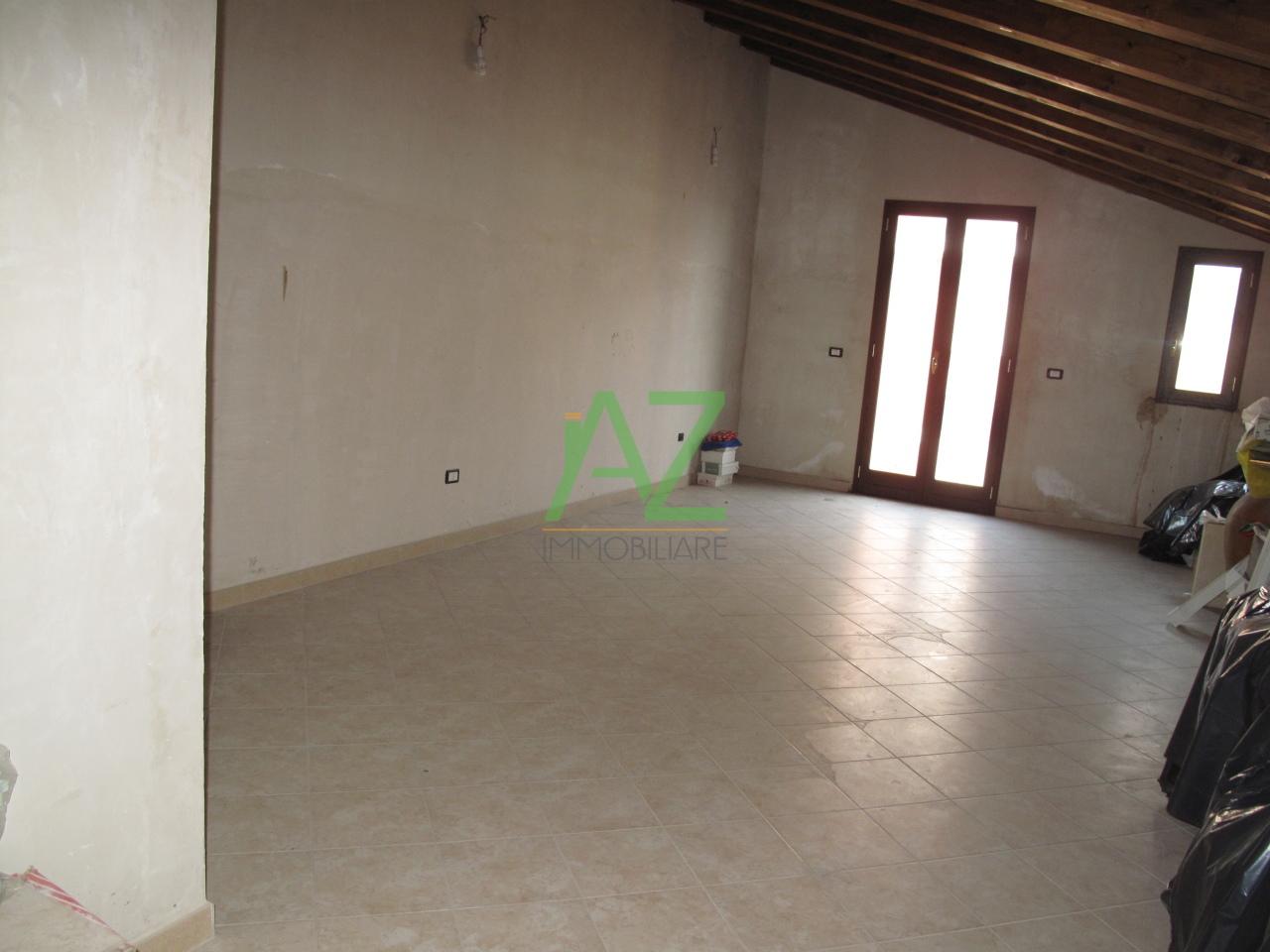 Appartamento in vendita a Motta Sant'Anastasia, 3 locali, prezzo € 79.000 | Cambio Casa.it