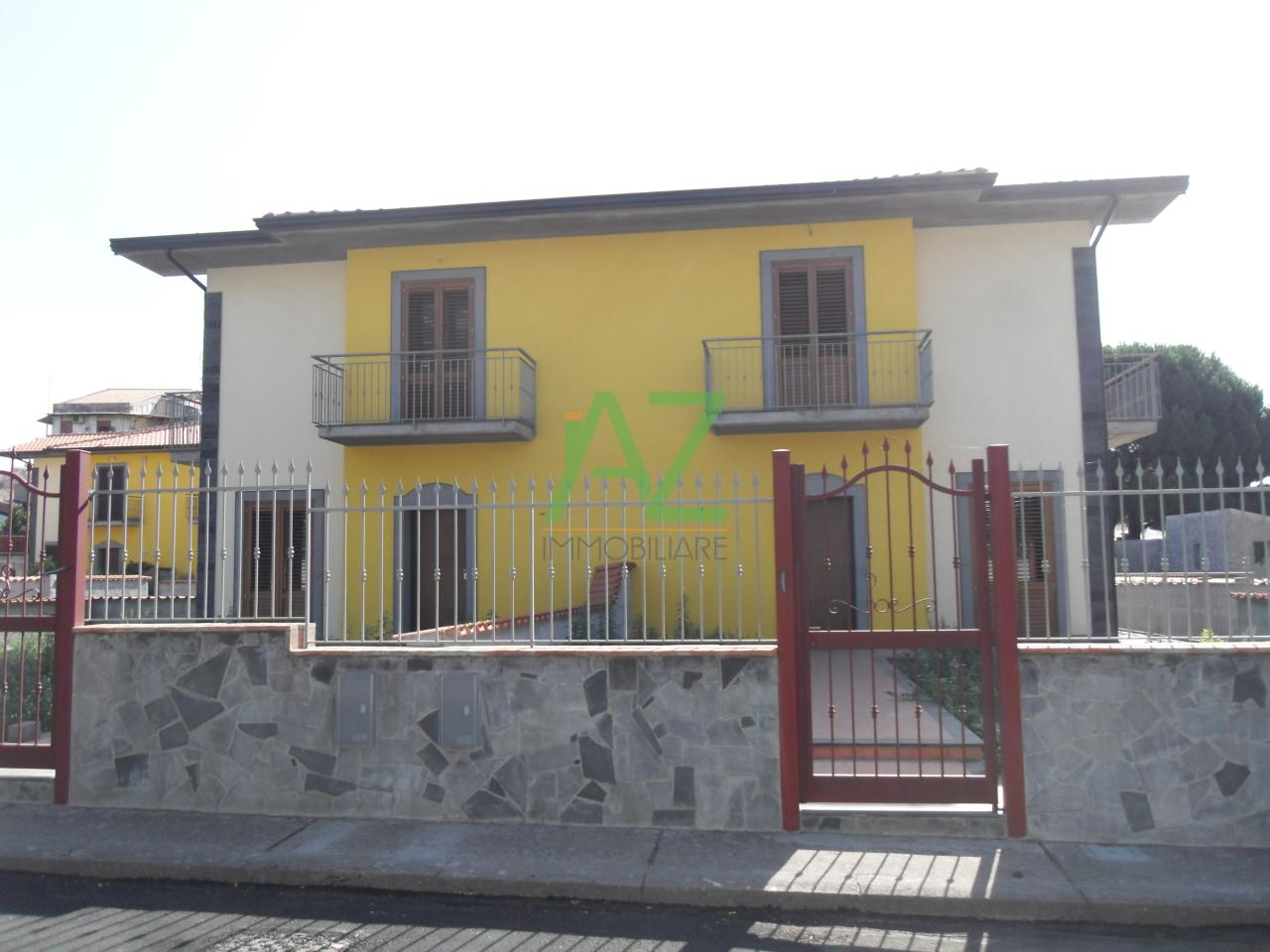 vendita villa gravina di catania   285000 euro  4 locali  180 mq
