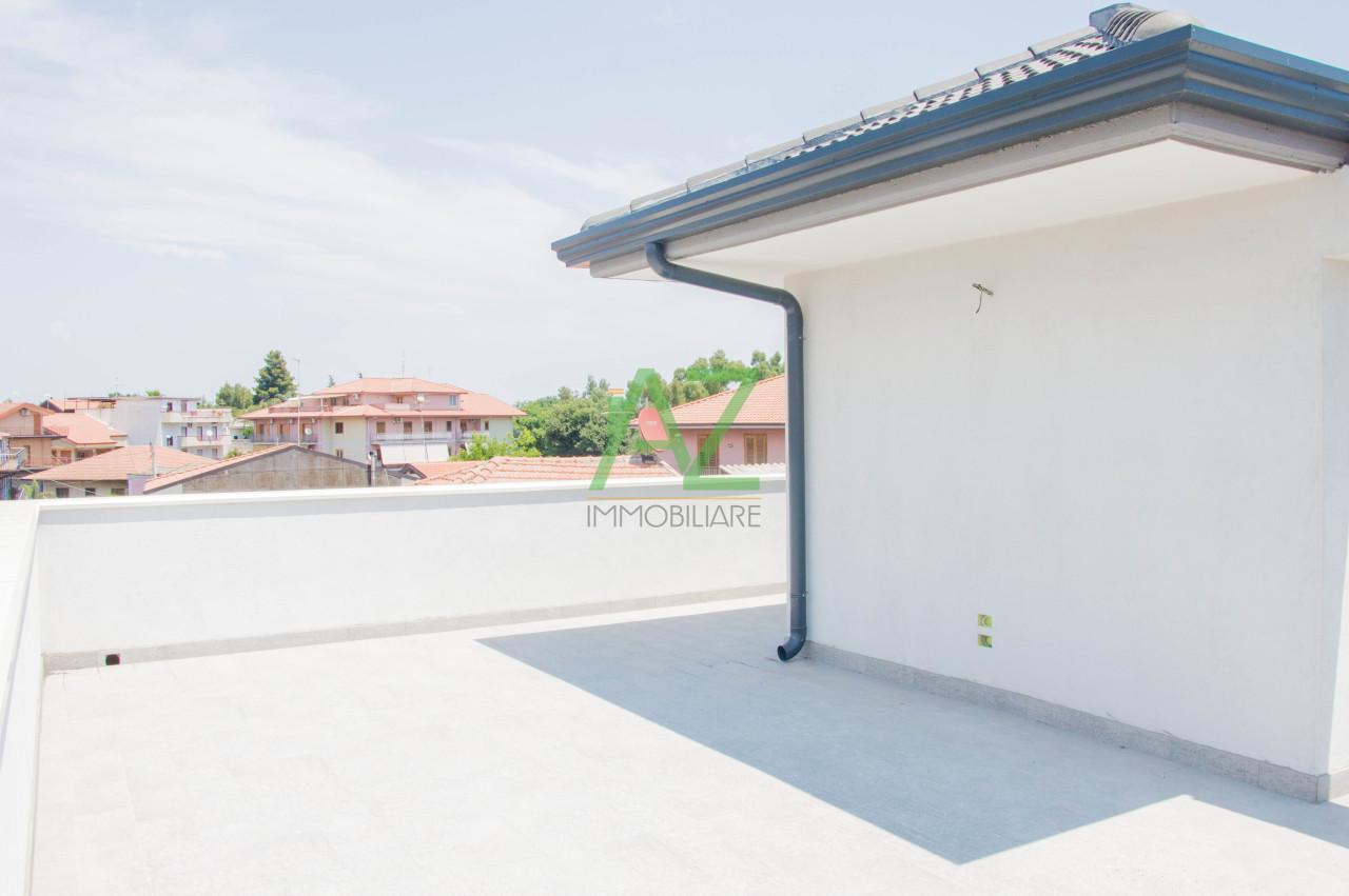 Appartamento in vendita a Valverde, 3 locali, prezzo € 120.000 | Cambio Casa.it