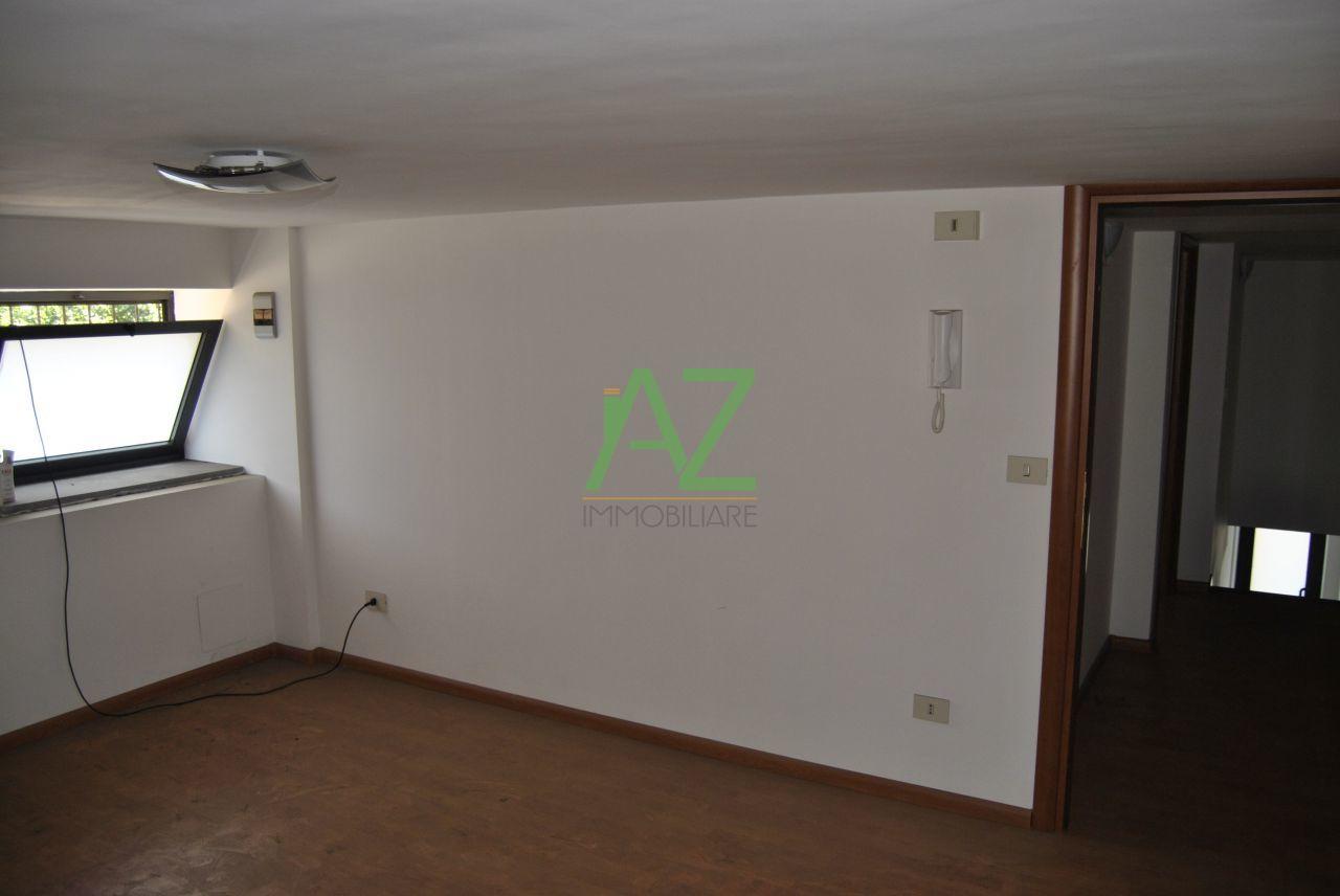 Ufficio / Studio in affitto a Acireale, 2 locali, prezzo € 300 | Cambio Casa.it