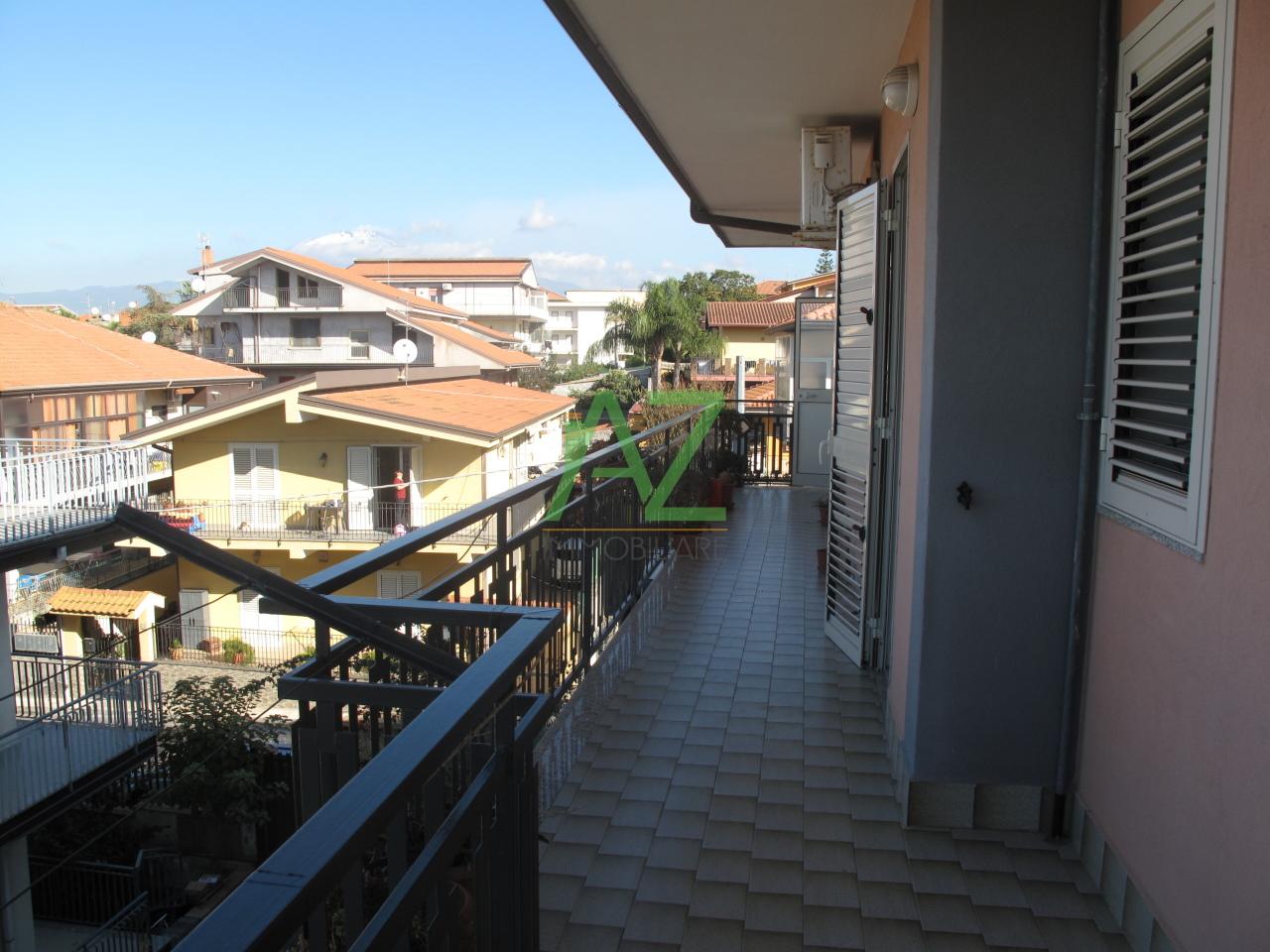 Appartamento in affitto a Motta Sant'Anastasia, 5 locali, prezzo € 480   Cambio Casa.it