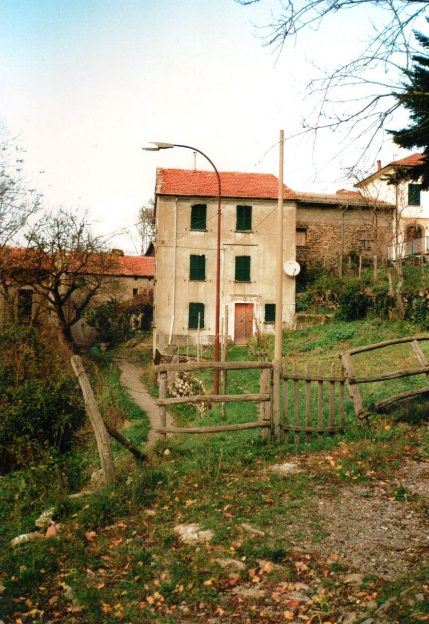 Soluzione Indipendente in vendita a Bedonia, 6 locali, prezzo € 29.000 | Cambio Casa.it