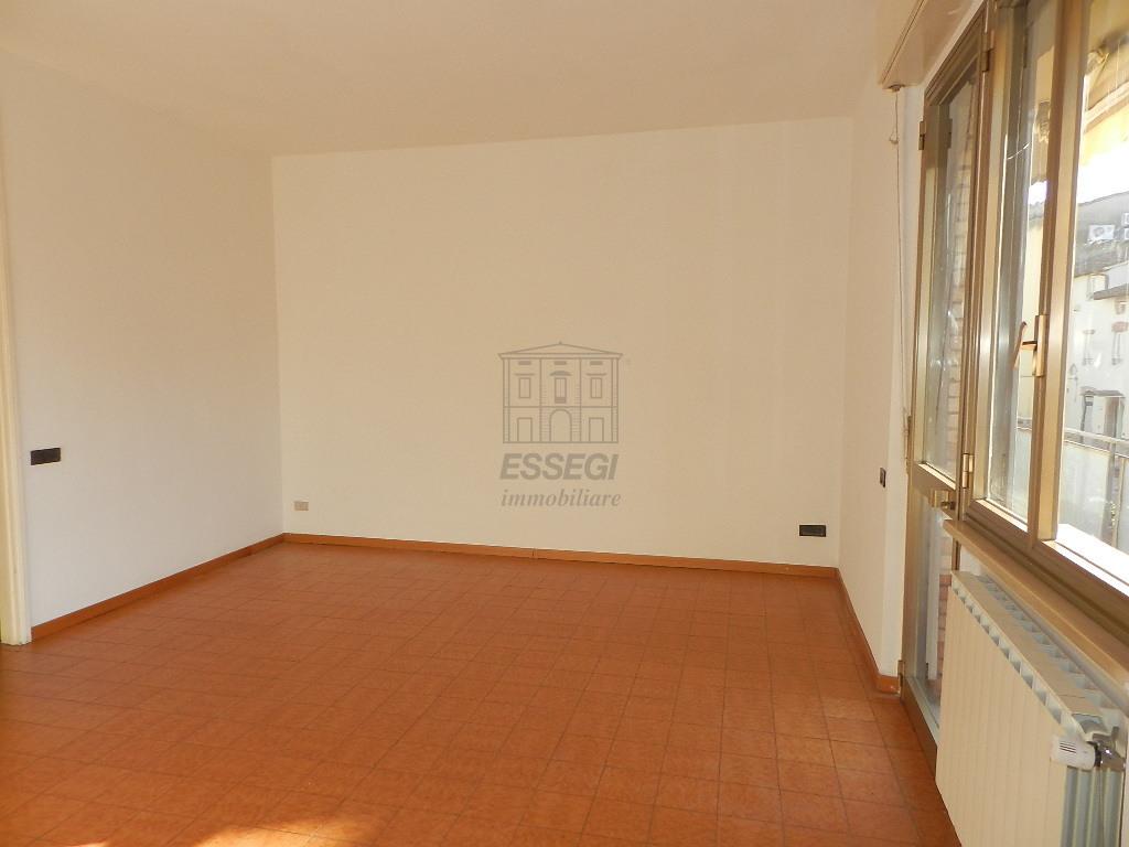 Appartamento Lucca S. Anna IA03065 img 4