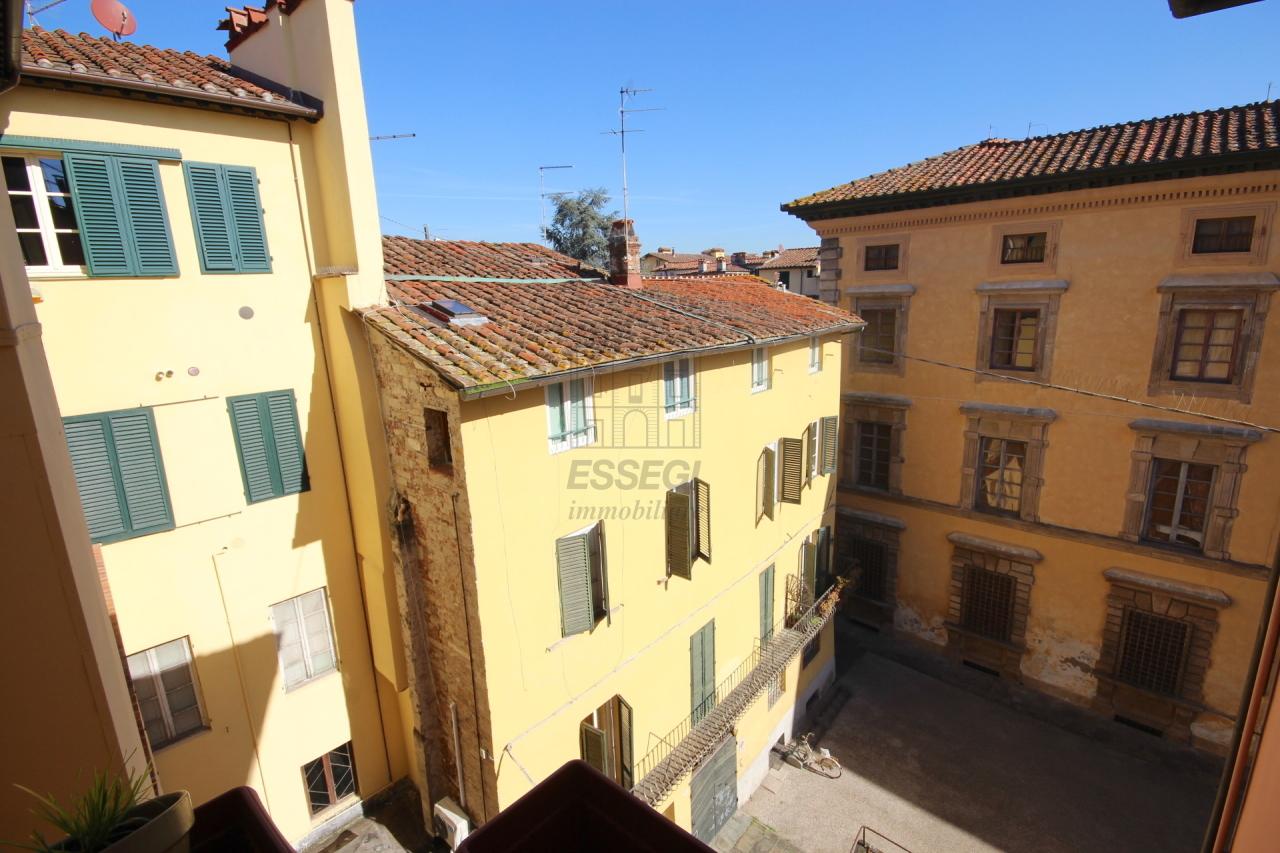 Appartamento Lucca Centro storico IA03272 img 4