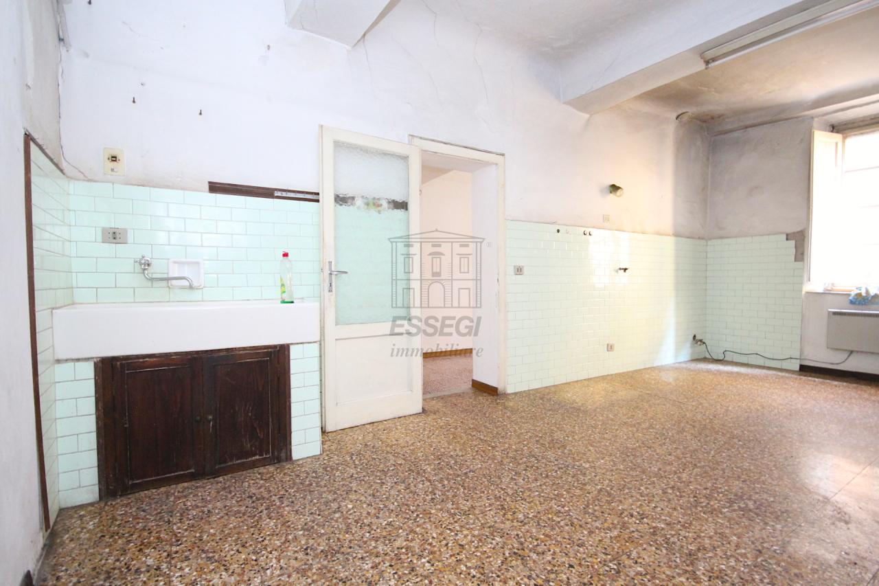 Appartamento Lucca Centro storico IA02855 img 8