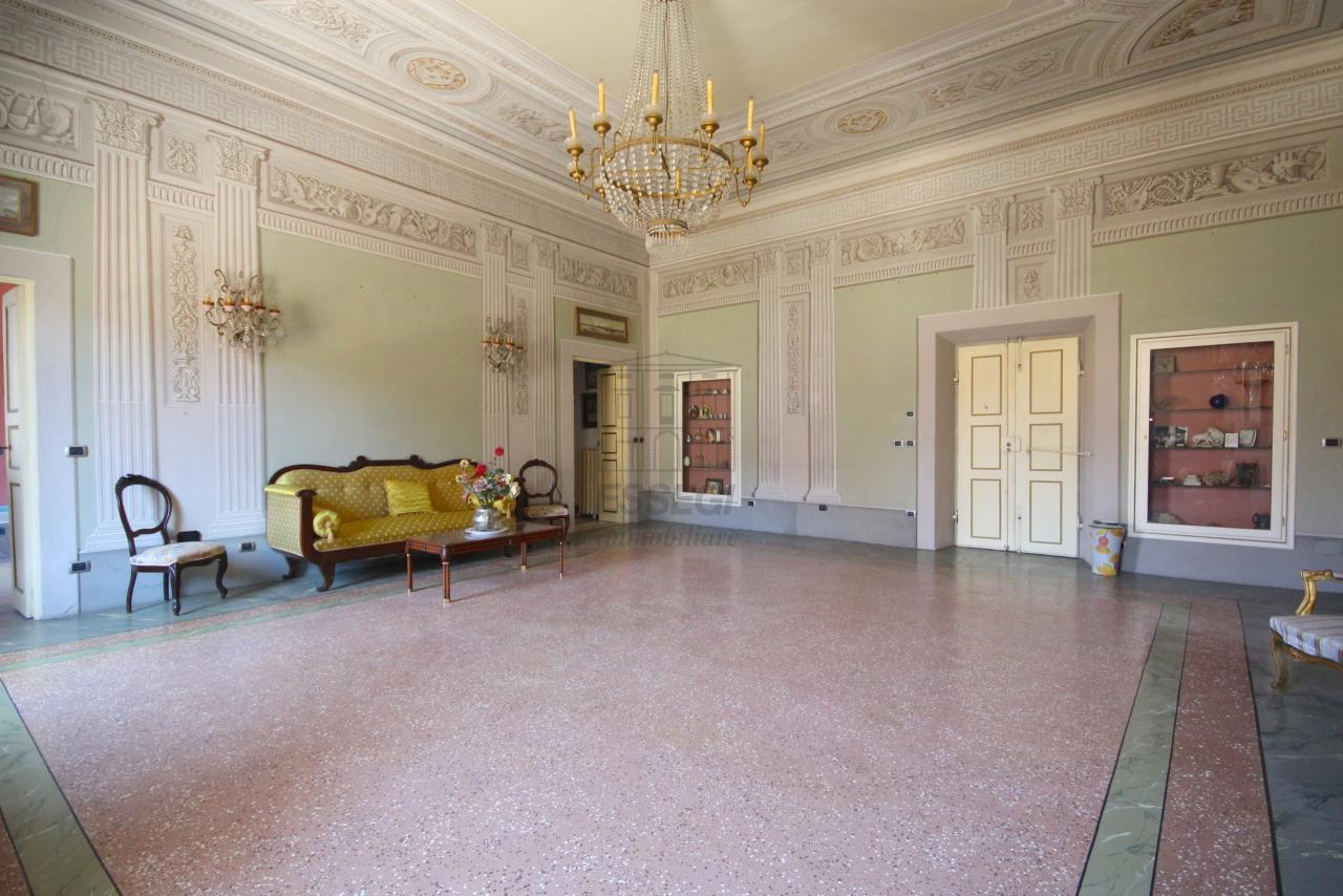 vendesi appartamento con affreschi vendesi apparta