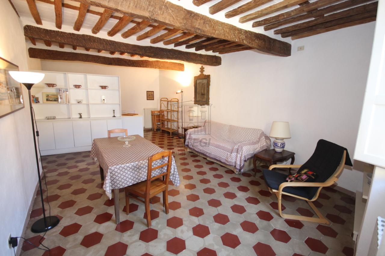 Appartamento in vendita a Lucca, 4 locali, prezzo € 290.000 | Cambio Casa.it