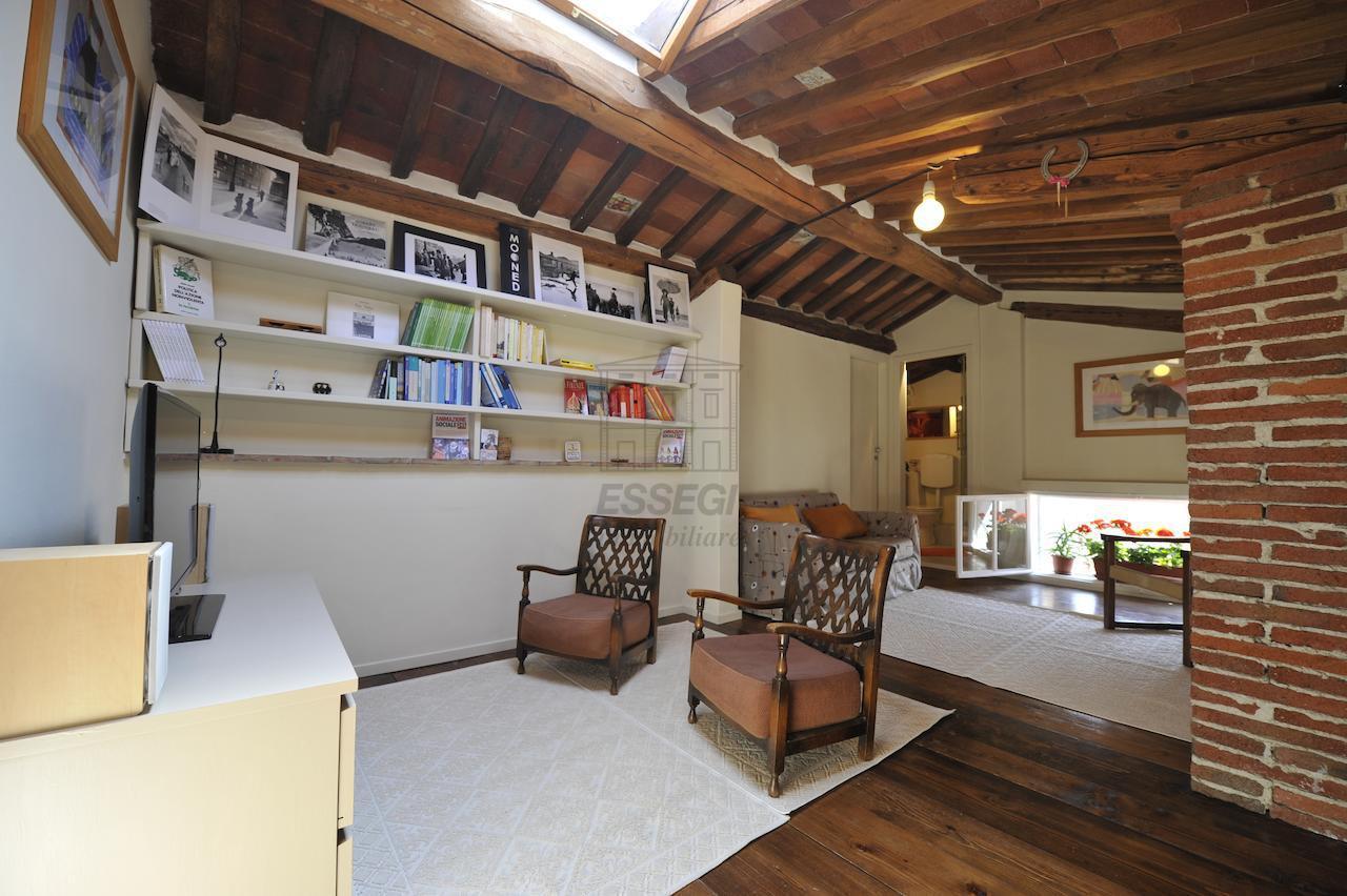Appartamento Lucca Centro storico IA02882 img 9
