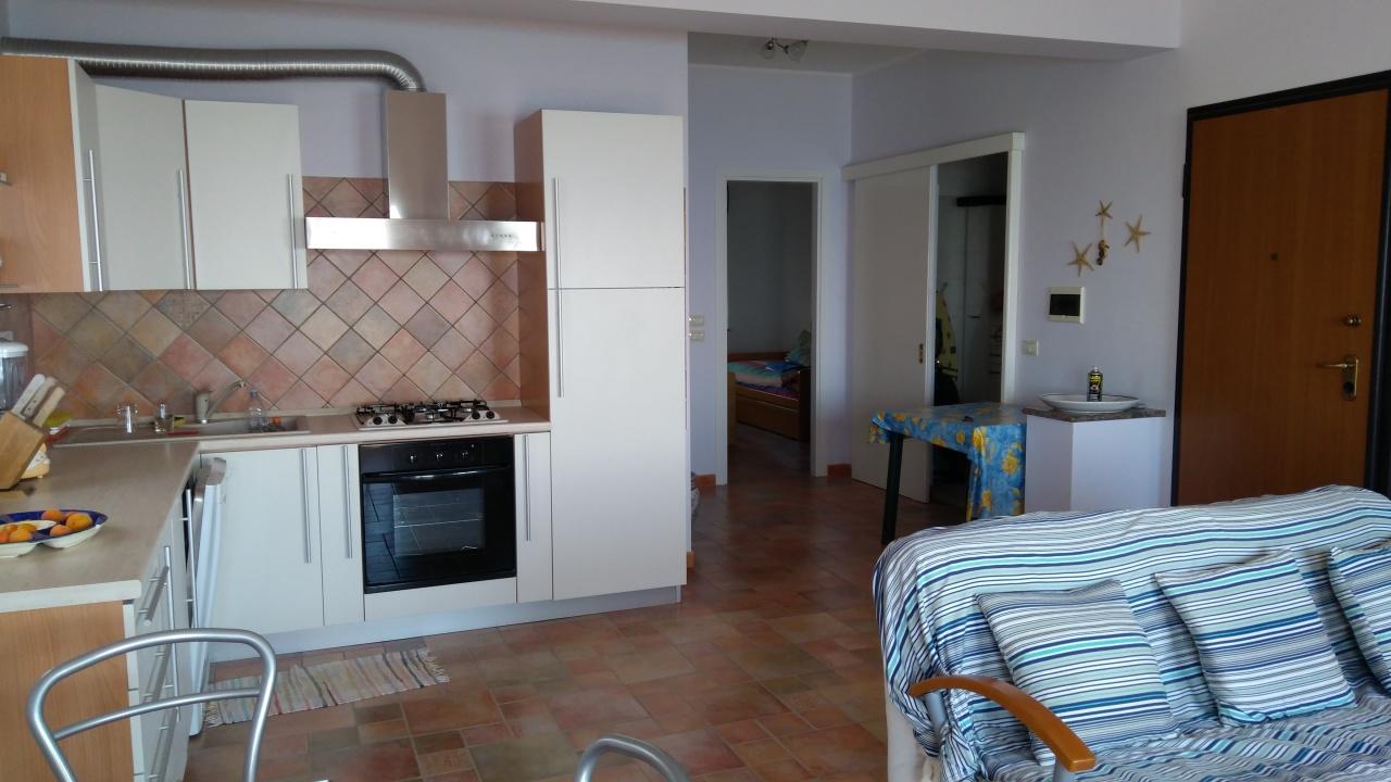 Appartamento in vendita a Bova Marina, 3 locali, prezzo € 120.000 | CambioCasa.it