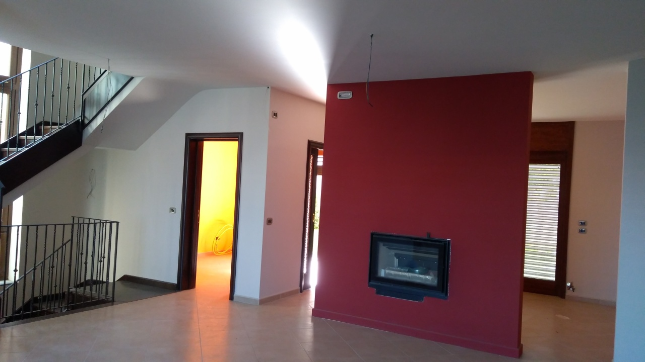Villa in affitto a Reggio Calabria, 5 locali, prezzo € 1.000 | CambioCasa.it
