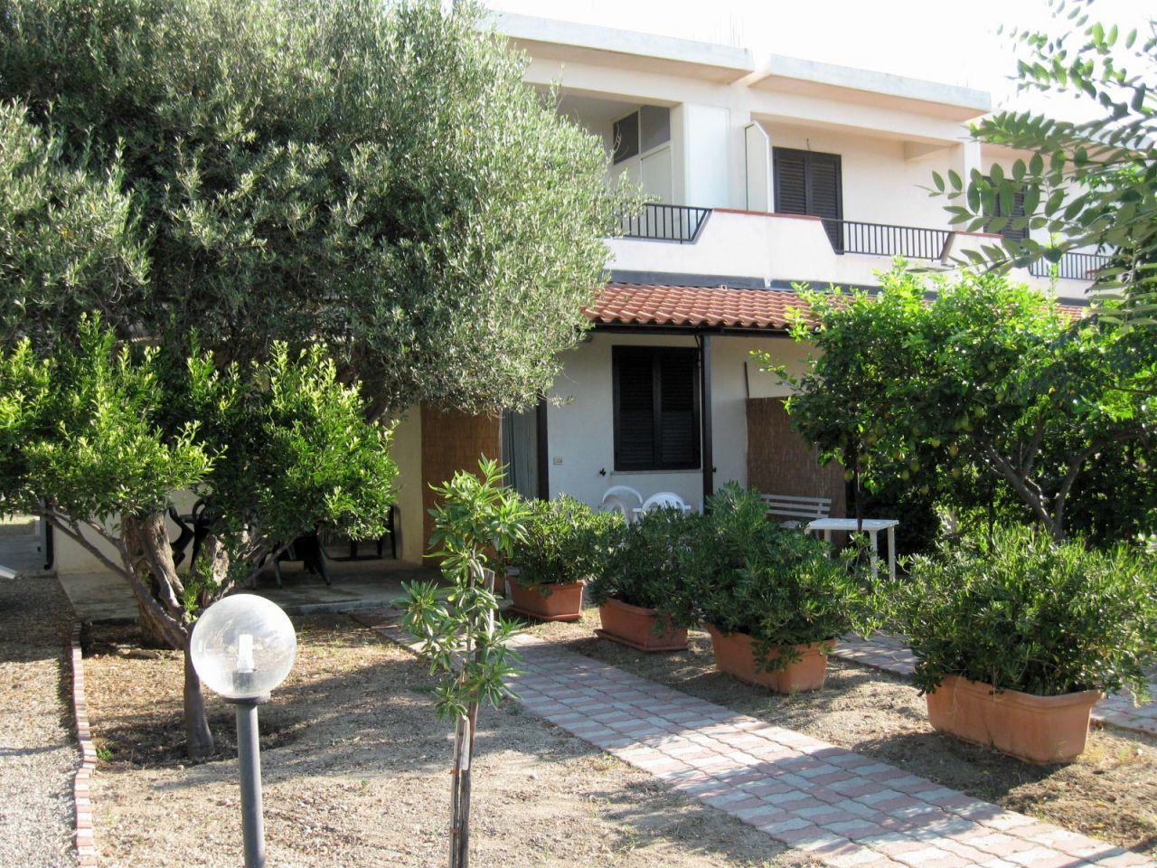 Appartamento in affitto a Bova Marina, 2 locali, prezzo € 1.500 | Cambio Casa.it