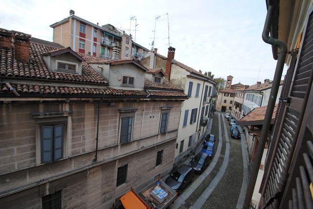 Appartamento in vendita a Pavia, 3 locali, prezzo € 397.000 | Cambio Casa.it