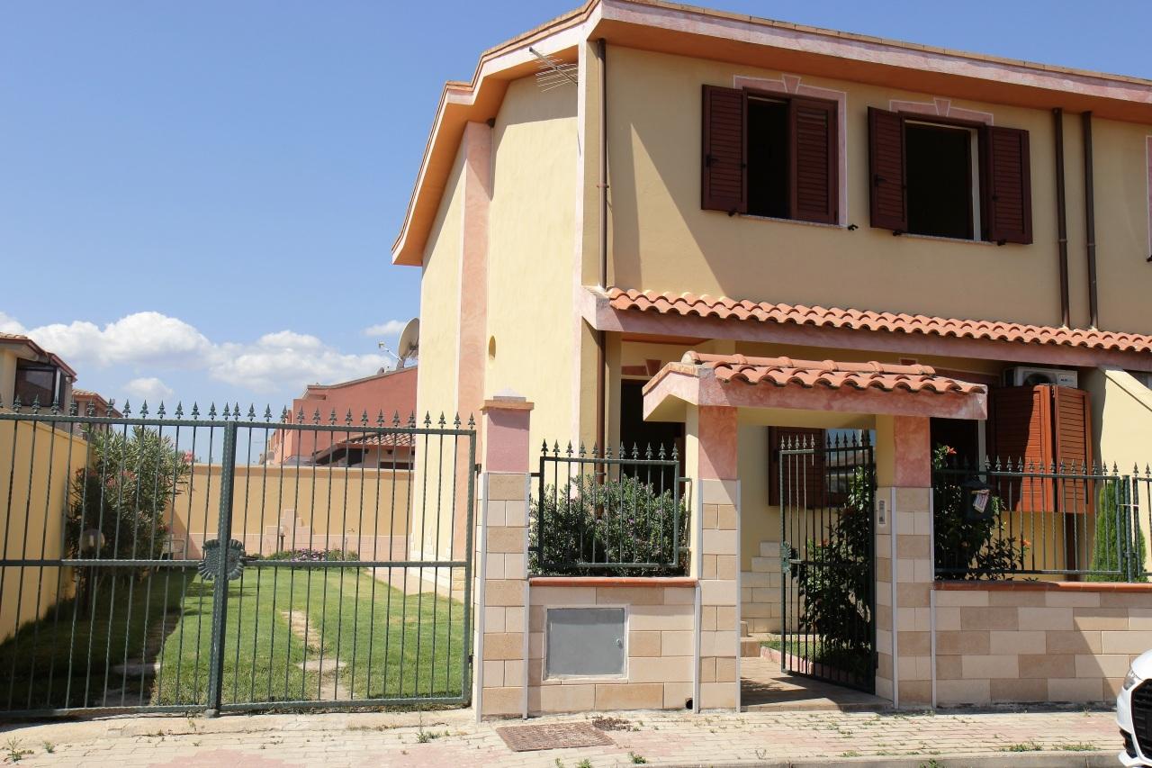 Villa in vendita a Uta, 4 locali, prezzo € 156.000 | Cambio Casa.it