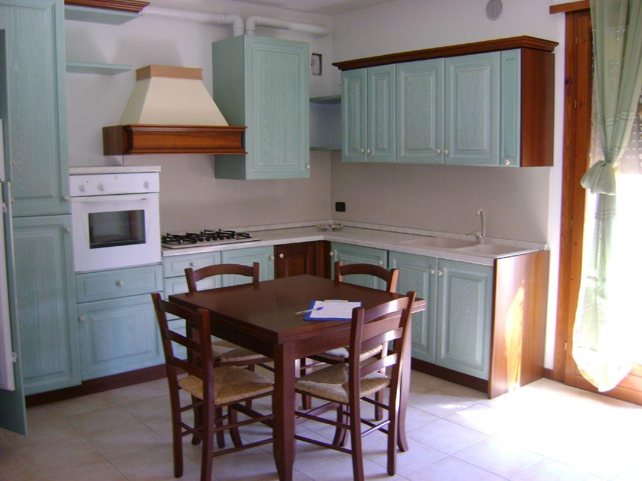 Appartamento in affitto a Lonigo, 3 locali, prezzo € 350 | Cambio Casa.it