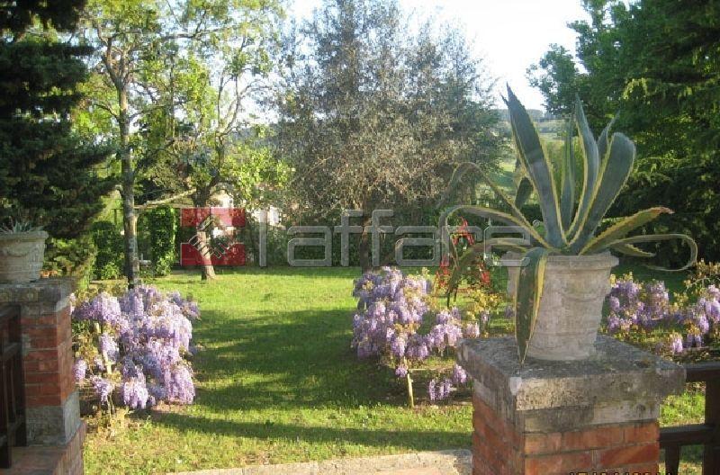 Villa in affitto a Casciana Terme Lari, 7 locali, Trattative riservate | CambioCasa.it