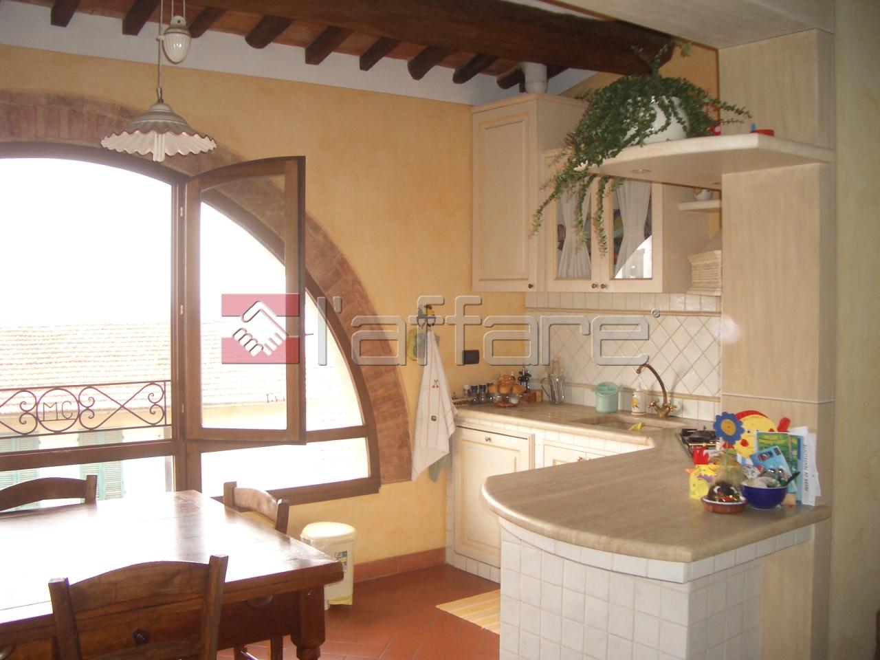 Appartamento in vendita a Chianni, 4 locali, prezzo € 197.000 | Cambio Casa.it