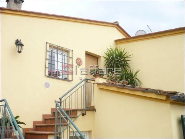 Soluzione Indipendente in vendita a Crespina Lorenzana, 7 locali, prezzo € 205.000 | CambioCasa.it