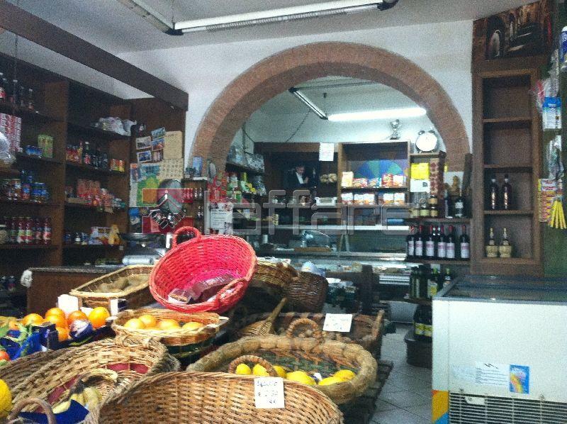 Negozio a Casciana Terme Lari
