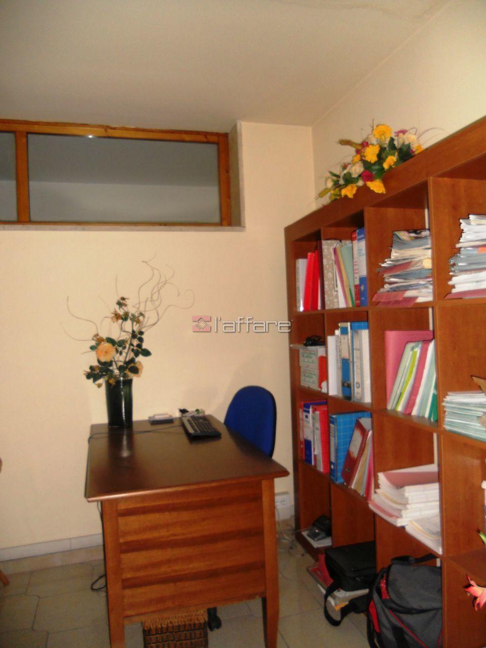 Ufficio / Studio in affitto a Capannoli, 4 locali, prezzo € 430 | CambioCasa.it