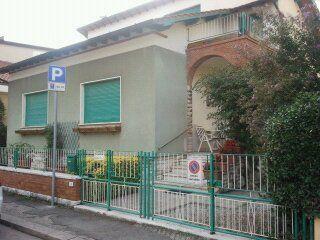 Villa in vendita a Montecatini-Terme, 8 locali, prezzo € 450.000   Cambio Casa.it