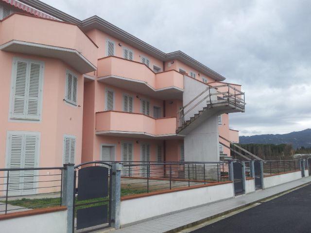 Appartamento in vendita a Massa e Cozzile, 4 locali, prezzo € 140.000 | Cambio Casa.it