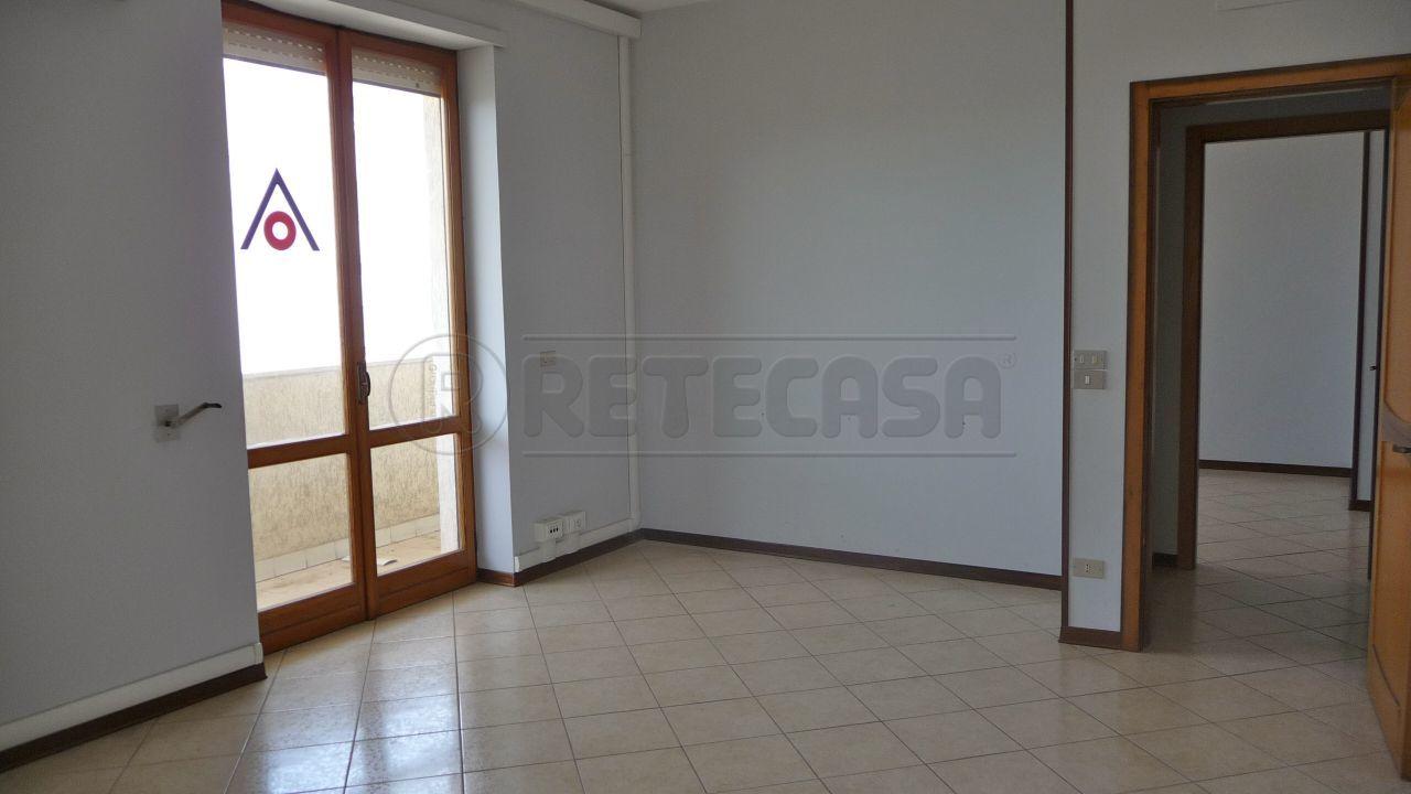 Ufficio / Studio in affitto a Lecce, 4 locali, prezzo € 600 | Cambio Casa.it