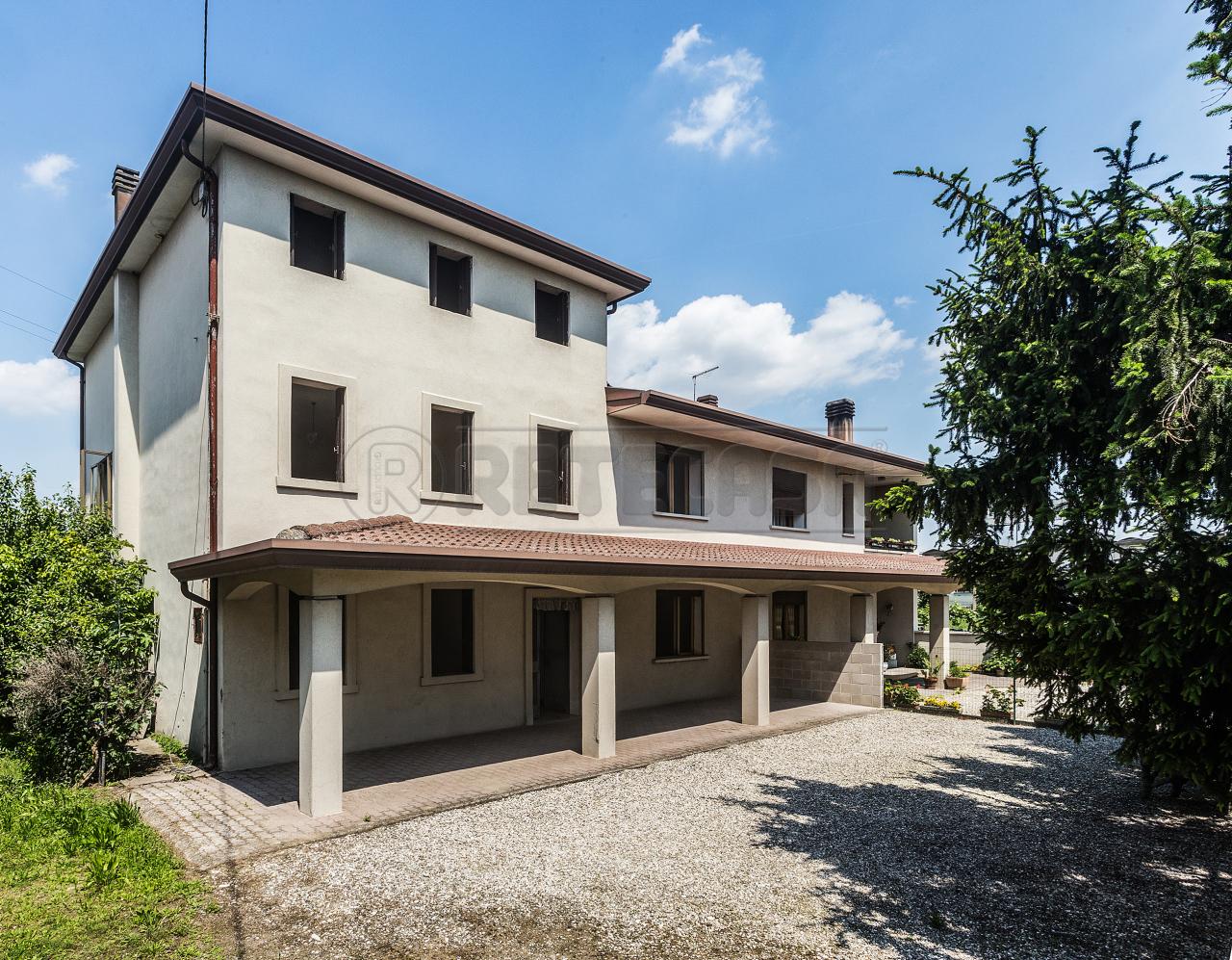 Soluzione Indipendente in vendita a Carmignano di Brenta, 9999 locali, prezzo € 103.000 | Cambio Casa.it