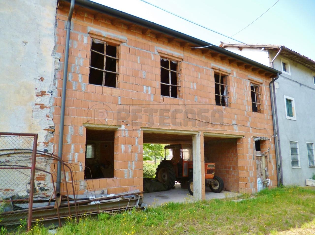 Soluzione Semindipendente in vendita a Montorso Vicentino, 9999 locali, prezzo € 70.000   Cambio Casa.it