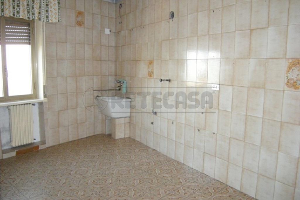 Appartamento trilocale in vendita a Caltanissetta (CL)-2