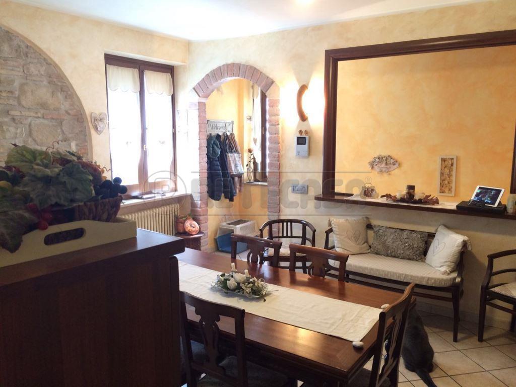 Altro in vendita a Valfabbrica, 3 locali, prezzo € 110.000 | Cambio Casa.it