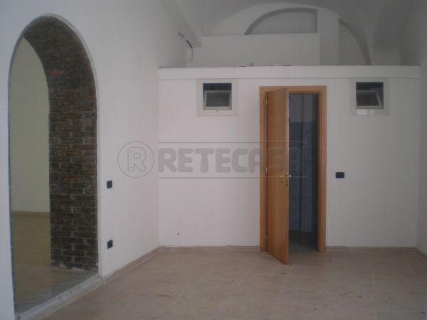 Negozio / Locale in affitto a San Nicola la Strada, 4 locali, prezzo € 1.200 | Cambio Casa.it