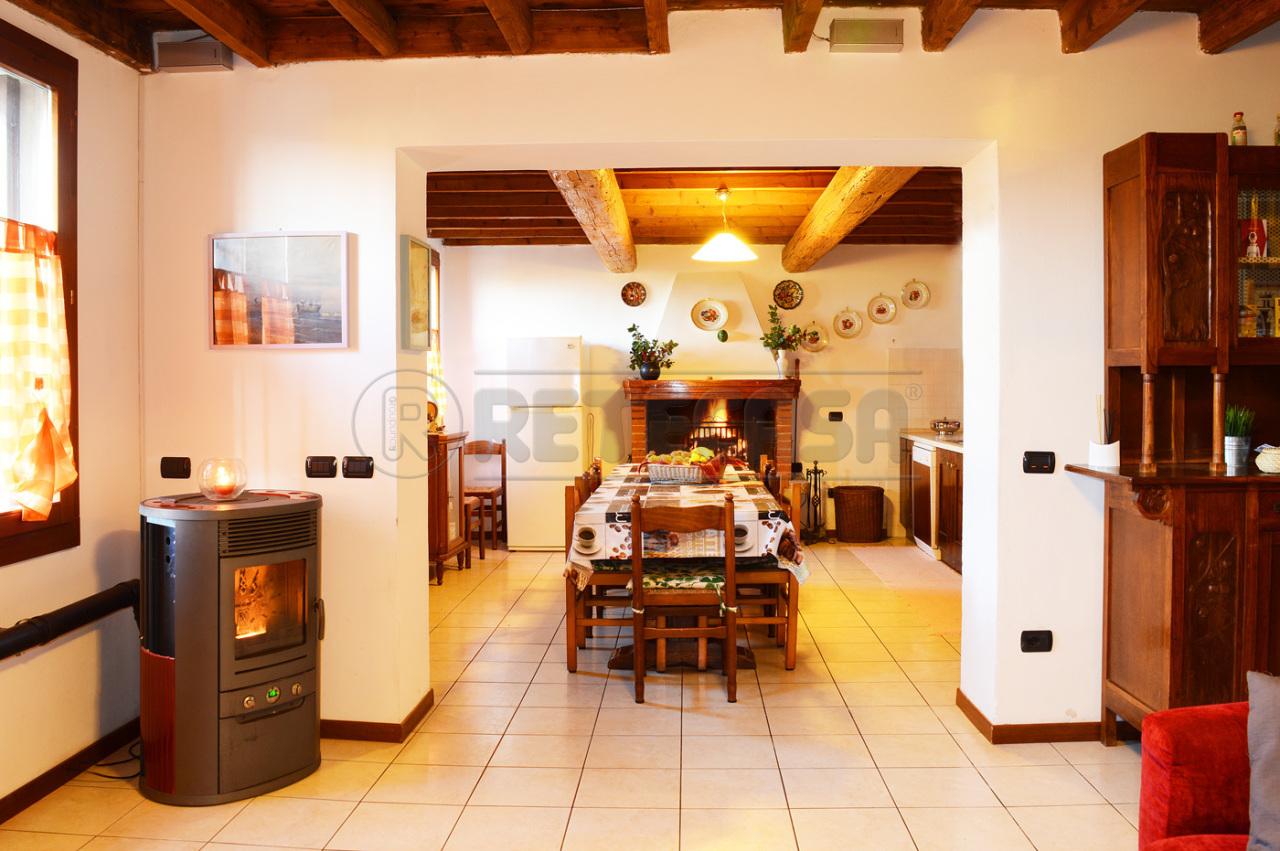 Rustico / Casale in Vendita a Altavilla Vicentina