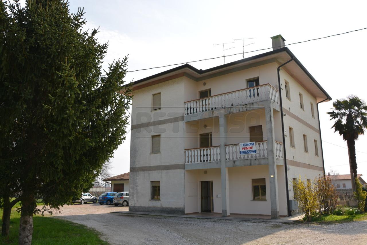 Villa in vendita a Cormons, 18 locali, prezzo € 169.000 | Cambio Casa.it