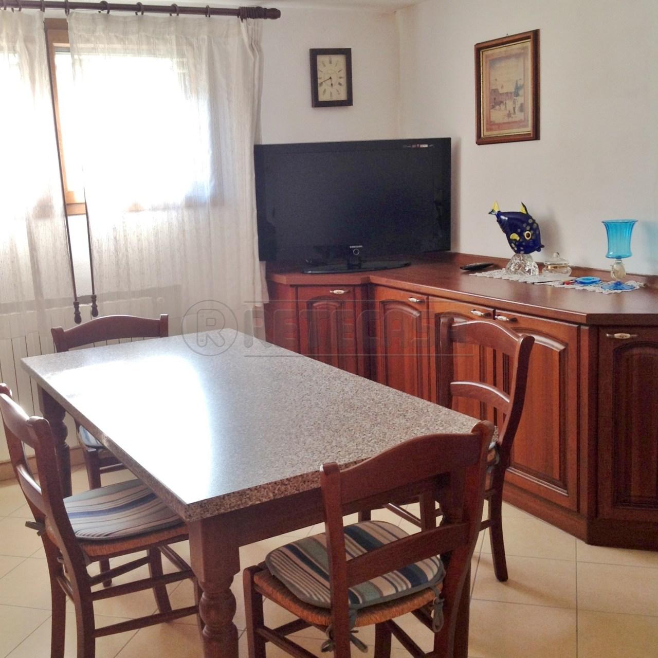 Villa in vendita a Padova, 7 locali, prezzo € 290.000 | Cambio Casa.it