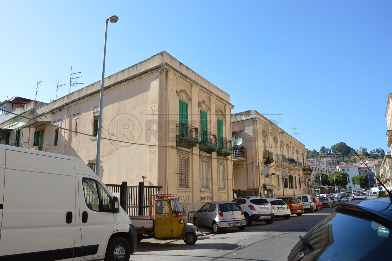 Bilocale Messina Via Pacida 101 1