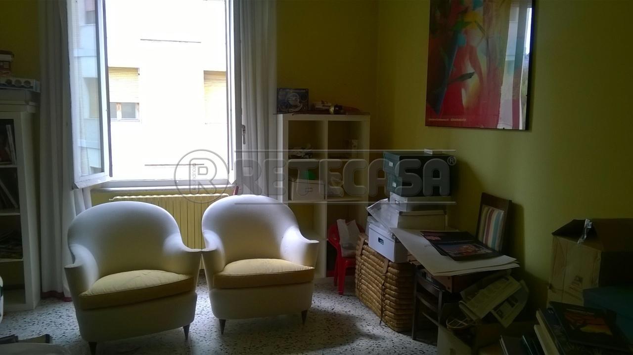Bilocale Ancona Via Toti 1