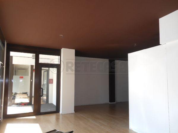 Negozio / Locale in affitto a Bassano del Grappa, 1 locali, prezzo € 850 | Cambio Casa.it