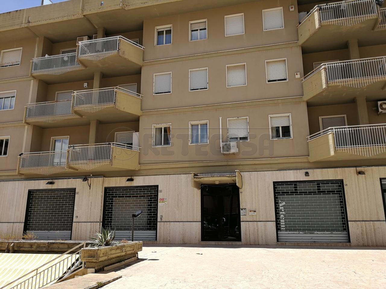 Appartamento, 102 Mq, Affitto - Caltanissetta (Caltanissetta)