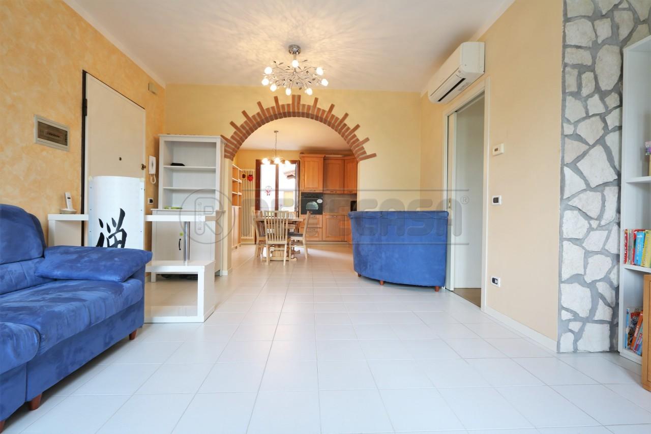 Appartamento in vendita a Quinto Vicentino, 5 locali, prezzo € 125.000 | Cambio Casa.it