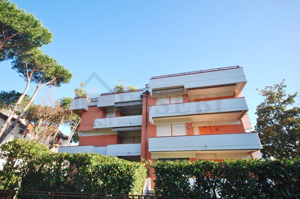 Appartamento in affitto a Camaiore, 4 locali, Trattative riservate | Cambio Casa.it