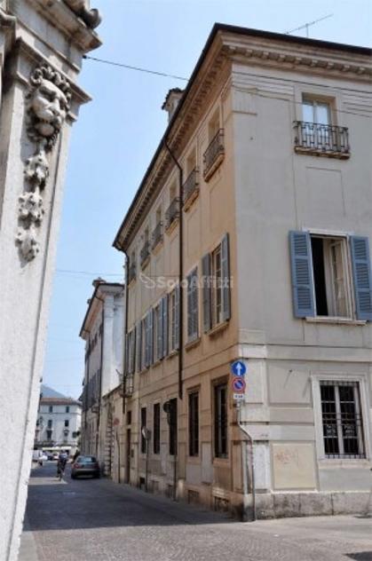 Bilocale Brescia Via Trieste 50 1