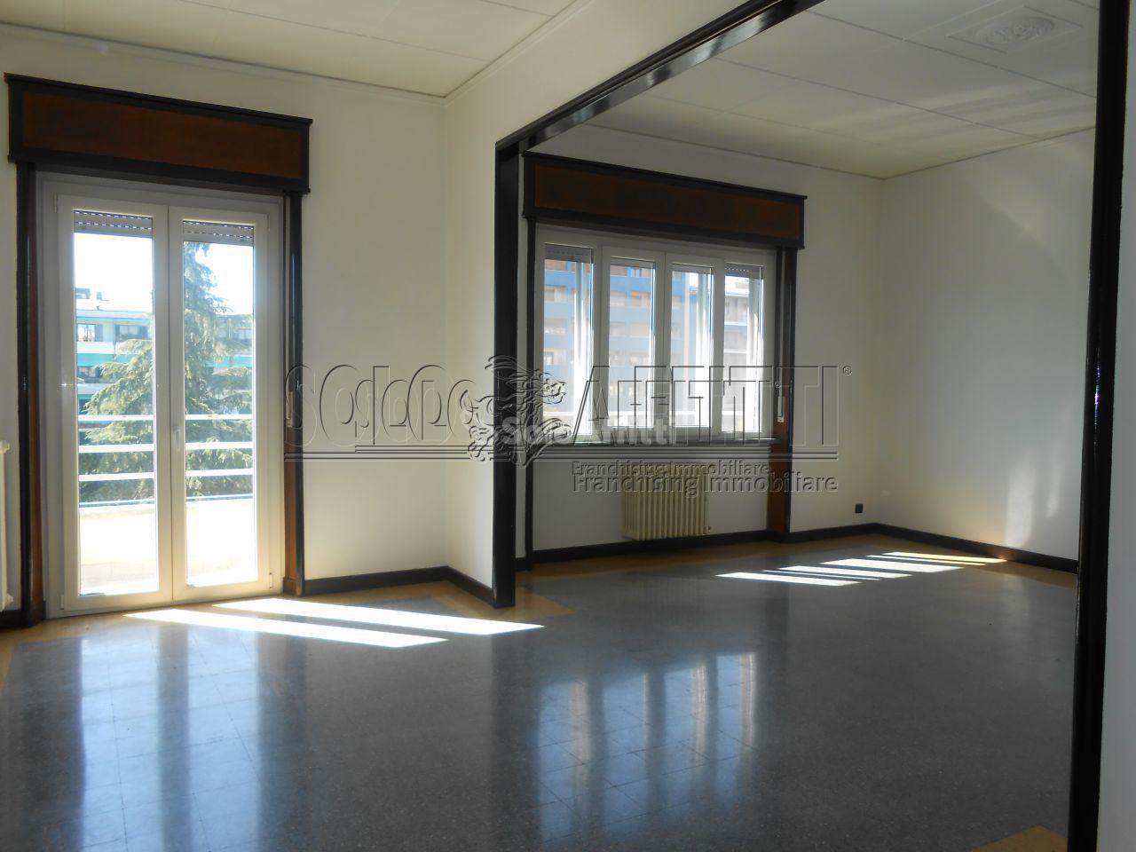 Appartamento, 180 Mq, Affitto - Pavia (Pavia)