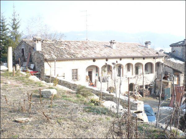 Villa in Vendita a Lesignano de' Bagni