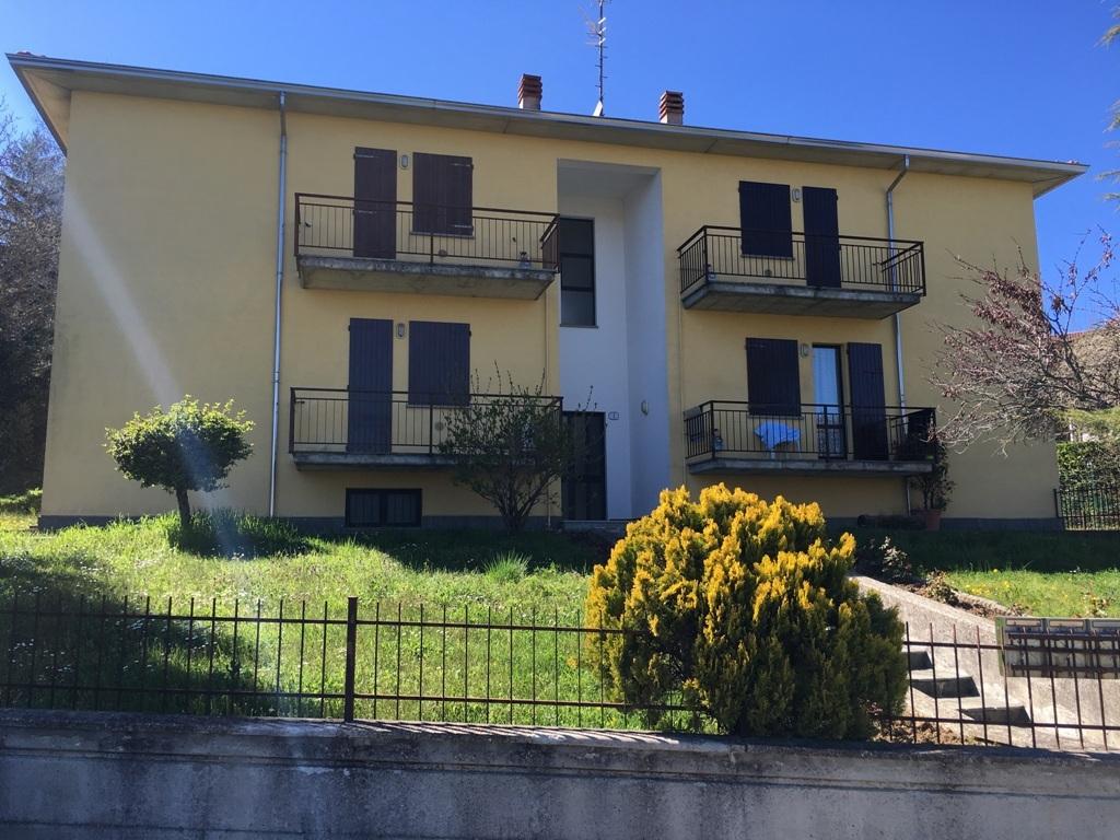 Appartamento in vendita a Tizzano Val Parma, 4 locali, prezzo € 74.000 | Cambio Casa.it