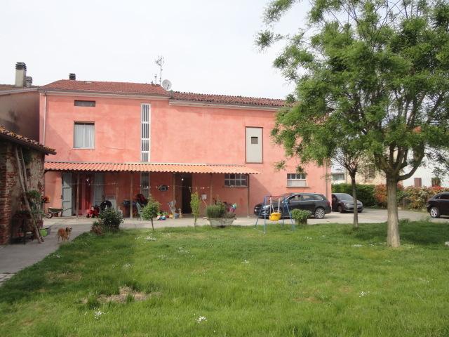 Soluzione Indipendente in vendita a Zibello, 8 locali, prezzo € 180.000 | Cambio Casa.it