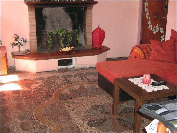 Appartamento in vendita a Aulla, 4 locali, prezzo € 55.000 | CambioCasa.it