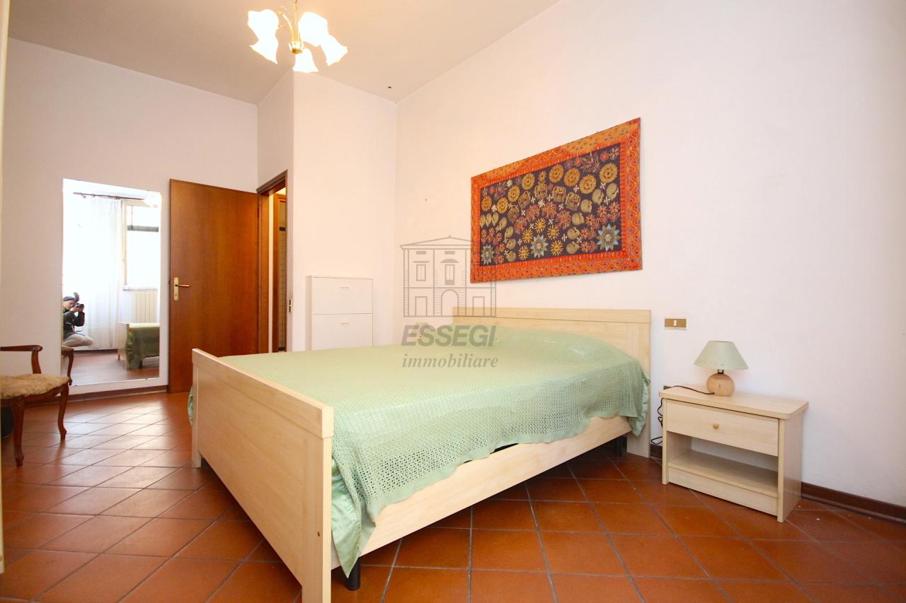 Bilocale Lucca Via Pelleria 3