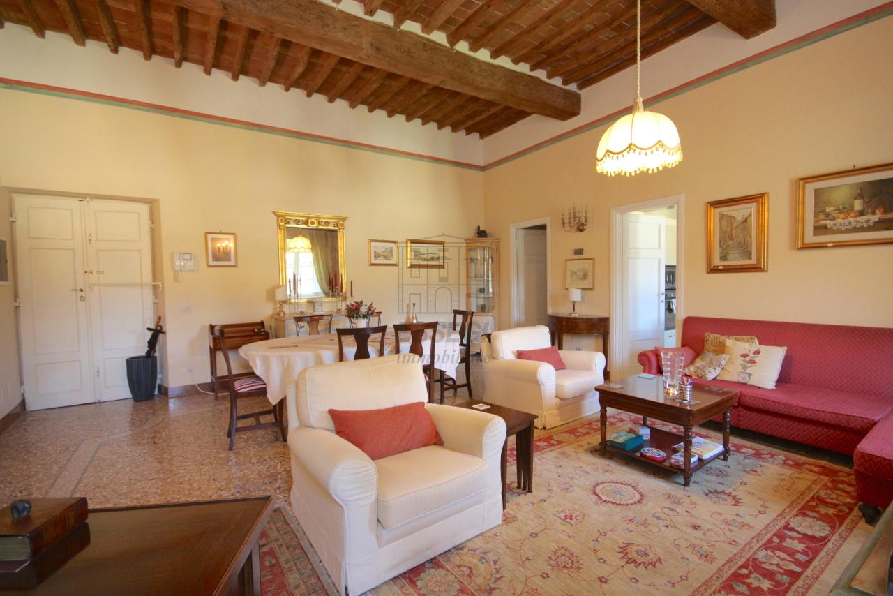 Appartamento Lucca Centro storico IA03340 img 5